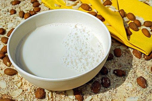 milk-2594538__340
