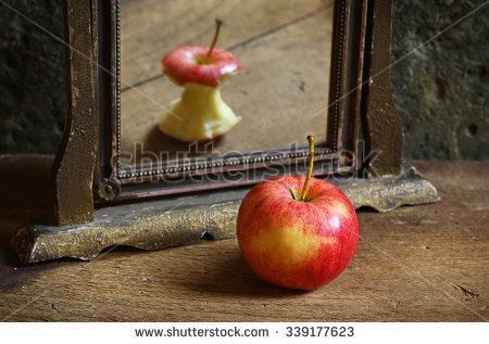 stock-photo-apple-reflecting-in-the-mirror-339177623