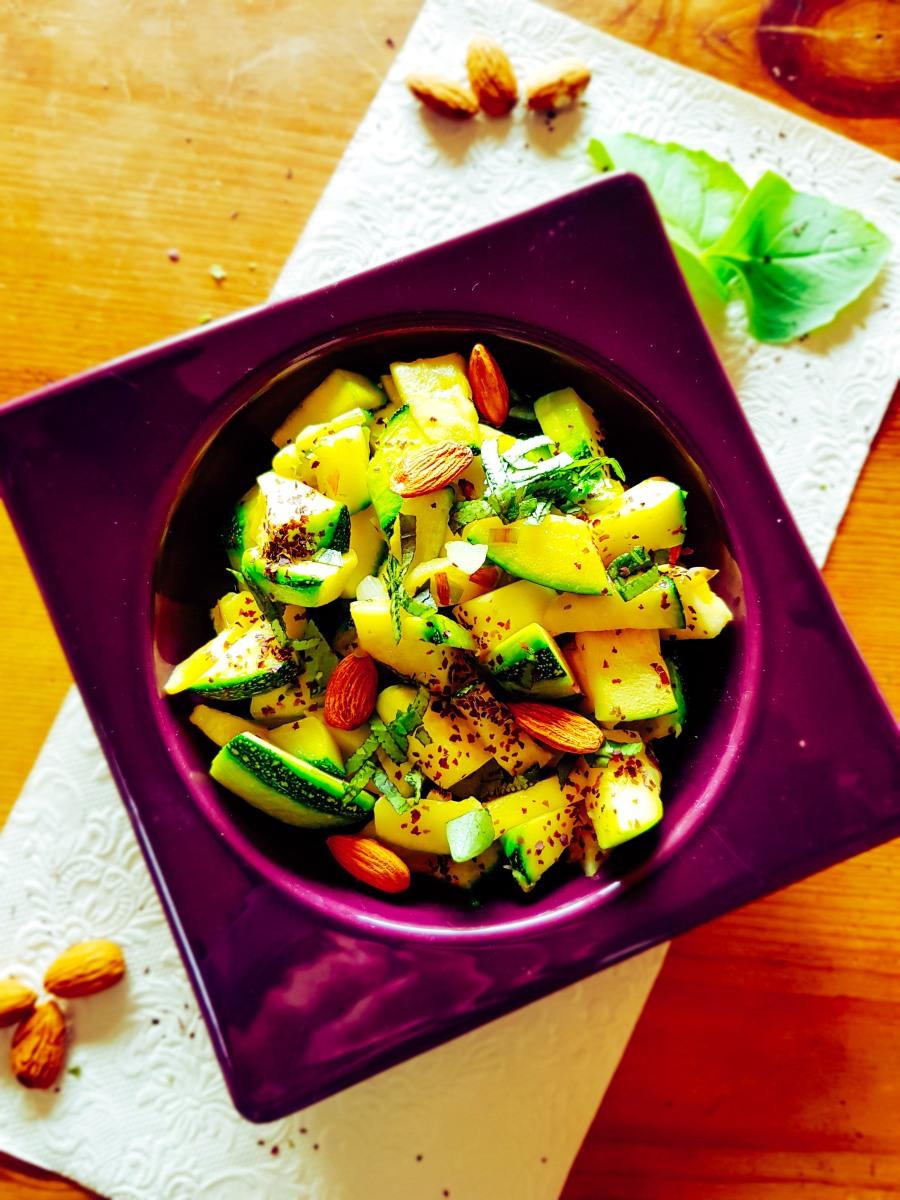 """Déjeuner n°20 """"Courgettes vegan à l'ail des ours et basilic frais """""""