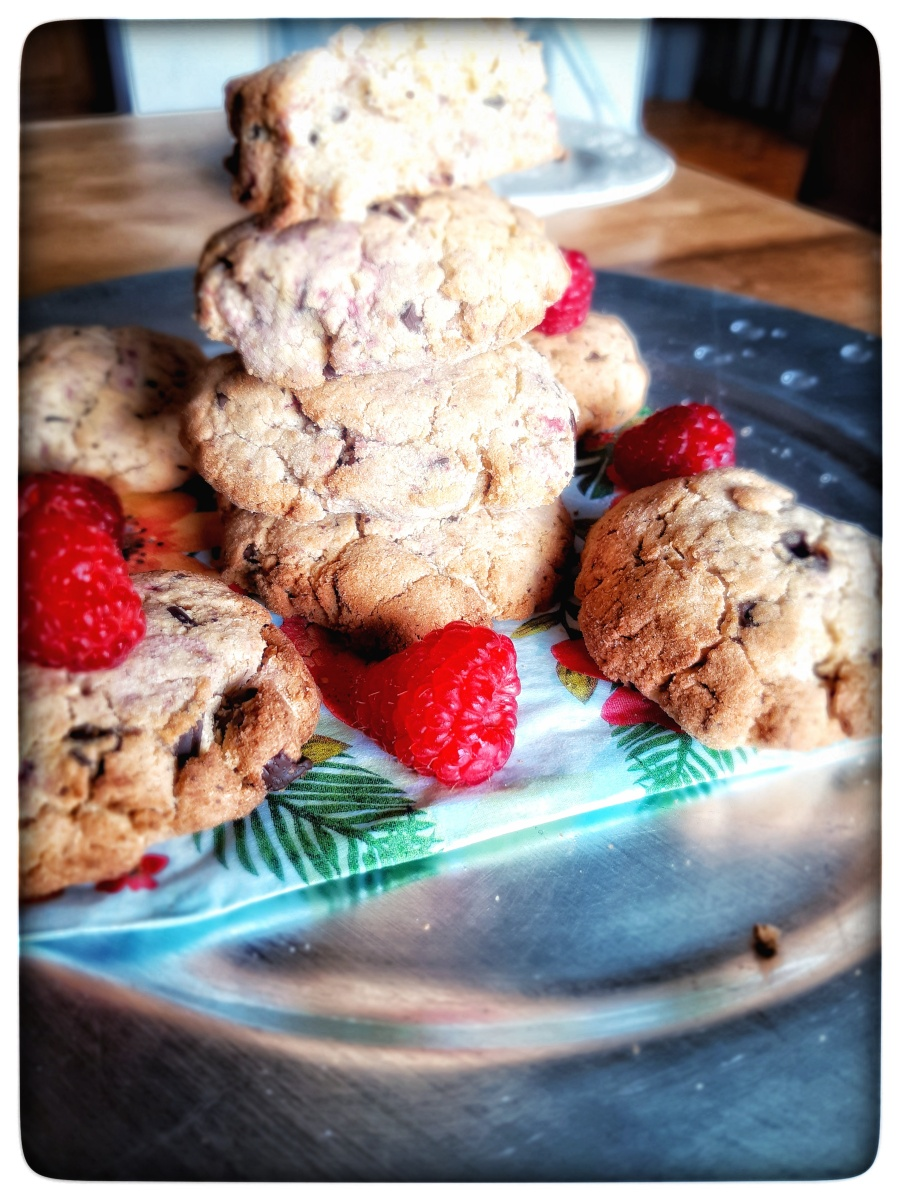 """""""Cookies vanillés GF aux pépites de choco et framboises fraiches """""""
