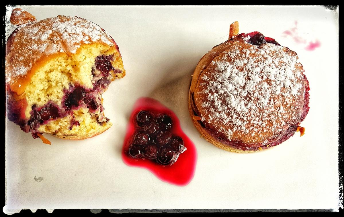 Mes muffins gluten free, sans beurre,sans lactose à la purée de myrtilles de Courmayeur !!